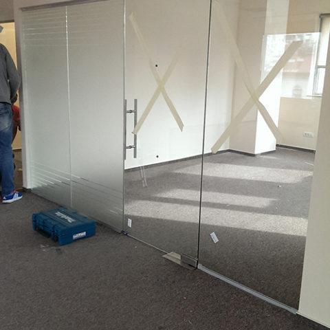 Inlocuire sticla sparta securizata