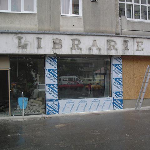 Fatada librarie